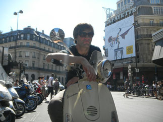 Paris sightseeing & shopping : Galeries Lafayete : a sight to see in Paris in a day Tour by Vespa scooter.