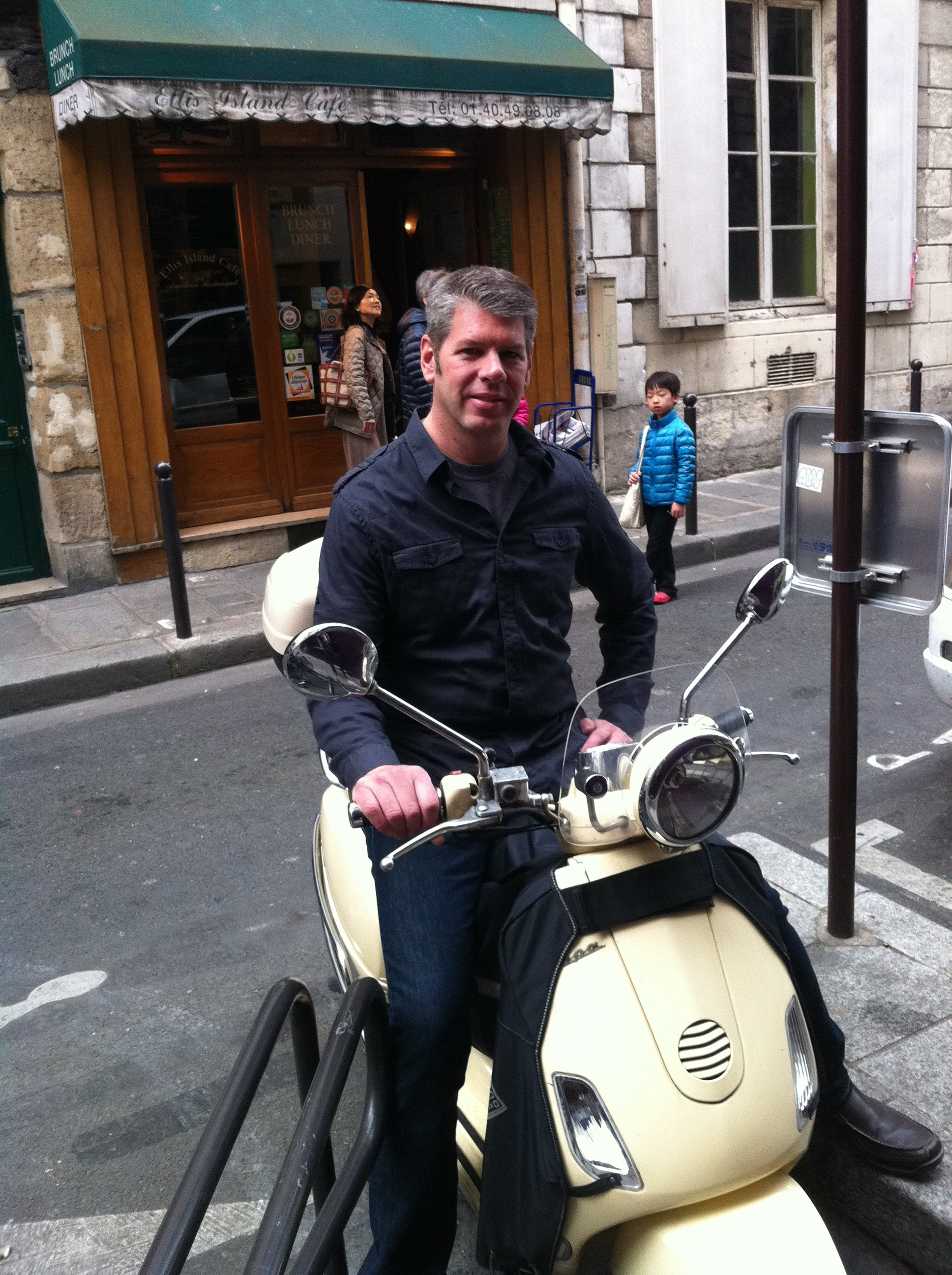William rent a scooter in Paris - picture of the street Paris france