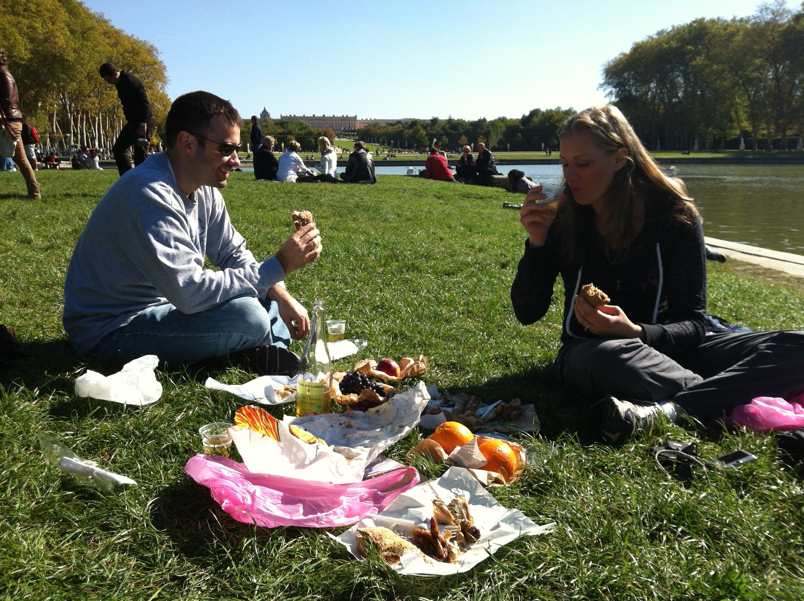 Lunch at Versailles garden - Paris France